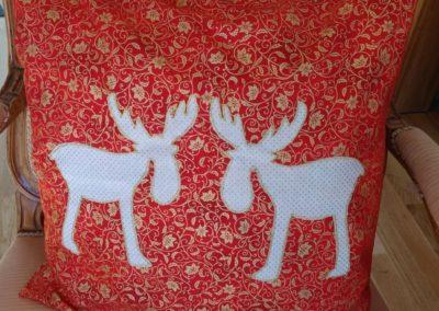 Weihnachtskissen  23 €  Artikel-Nr. 9-015