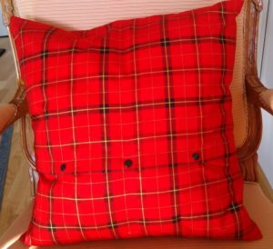 weihnachtskissen-9405-3-katze-rot-rot
