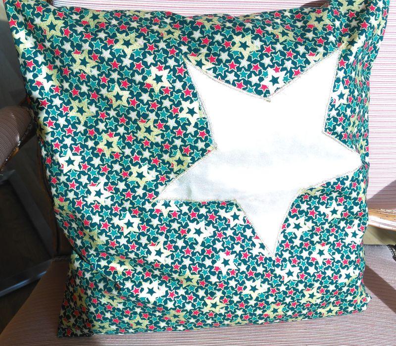 Weihnachtskissen 17,50€  Artikel-Nr. 9-016