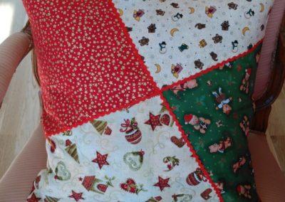 Weihnachtskissen 22 €  Artikel-Nr. 9-019