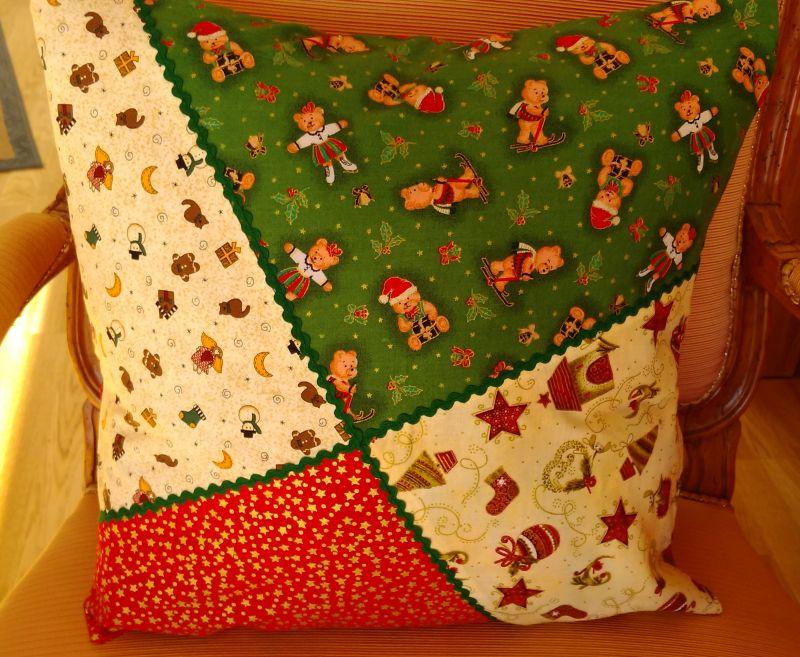 Weihnachtskissen 22 €  Artikel-Nr. 9-021