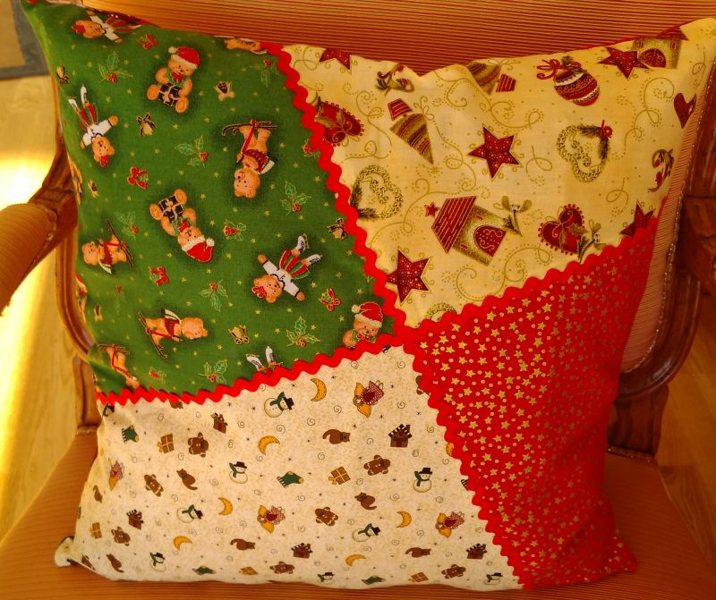 Weihnachtskissen 22 €  Artikel-Nr. 9-022