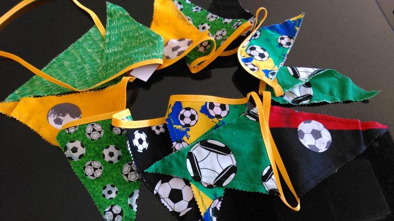 Wimpelkette Fußball gelb 20 €