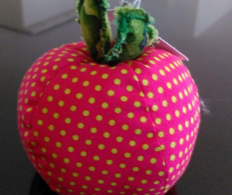 Apfel pink gepunktet 8 €