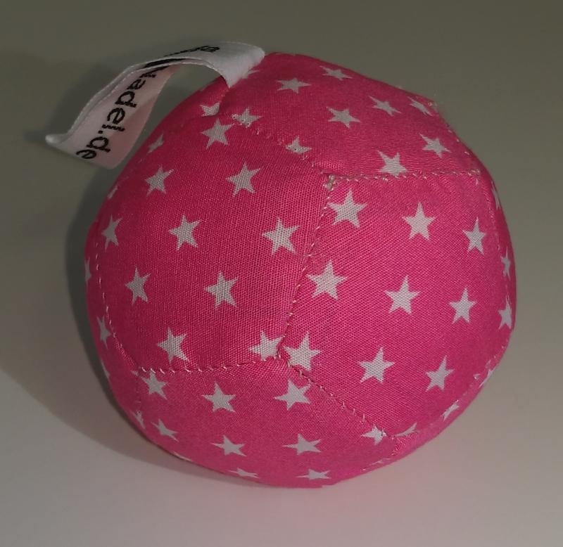 Babyball pink mit weiße Sterne 8 €