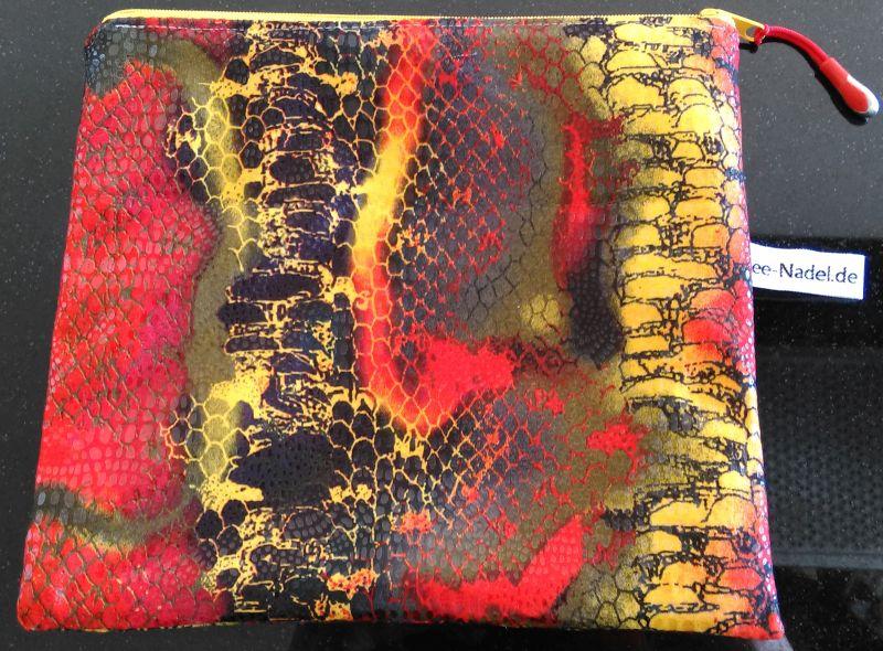 Kosmetiktasche 15 €  Größe: 20,5 x 23 cm Artikel-Nr. 10-537