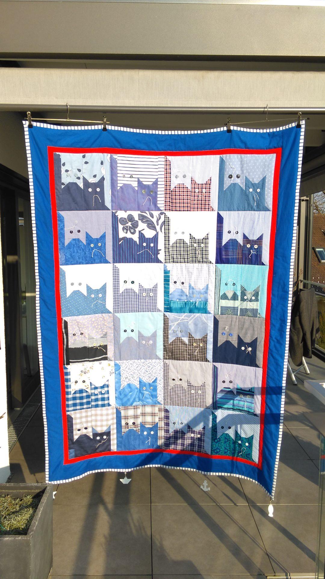"Patchworkdecke ""Katzen in blau""  ca. 137 x 195 cm"